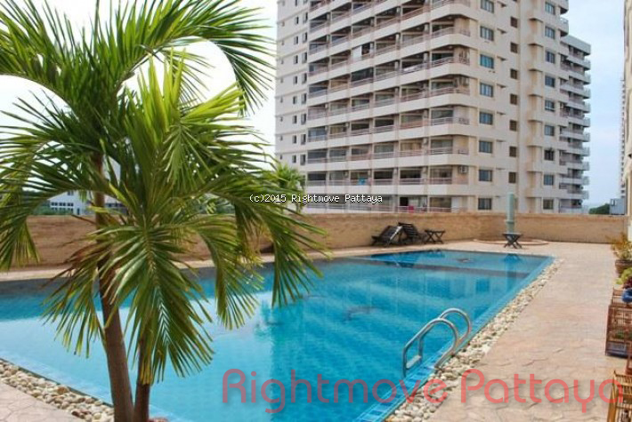 studio condo in pratumnak for sale theptip mansion633402644  per la vendita In pratumnak Pattaya
