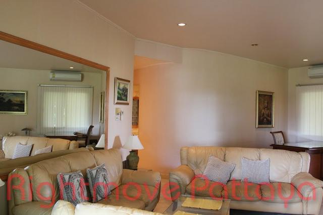 pic-3-Rightmove Pattaya   Condominiums for sale in Na Jomtien Pattaya