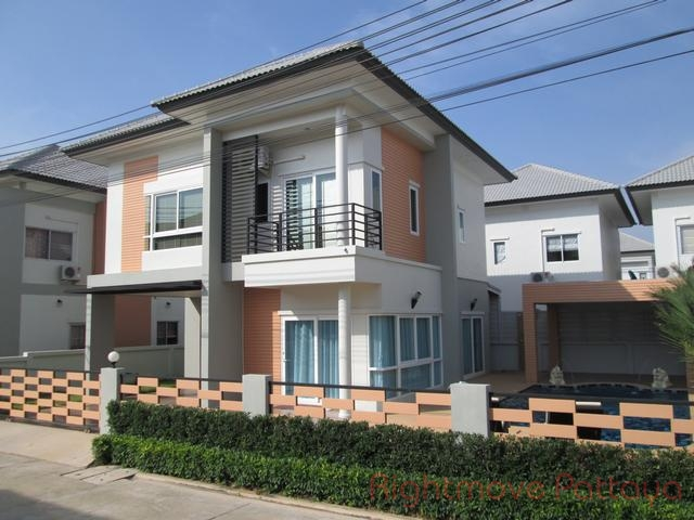 3 Bedrooms House For Rent In East Pattaya-patta Village