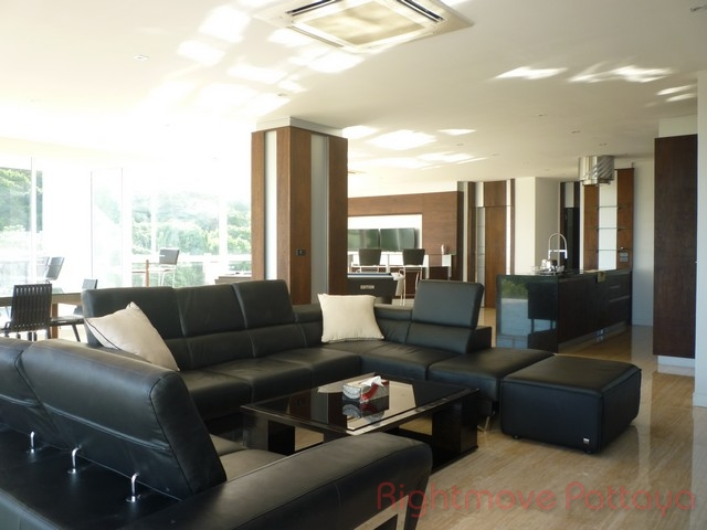 the palm condominium for sale in wongamat  for sale in Wong Amat Pattaya
