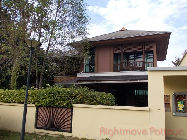 4 Bedrooms House For Sale In East Pattaya-horseshoe Point