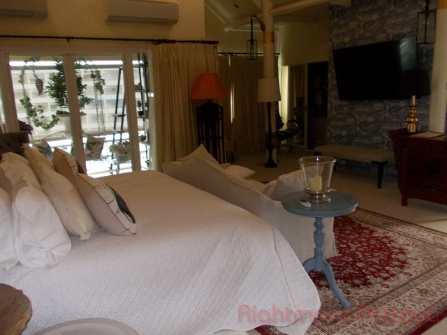luxurious one bedroom apartment  Condominiums for sale in Central Pattaya Pattaya