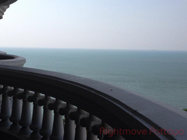 1 Bedroom Condo For Rent In Wongamat-park Beach