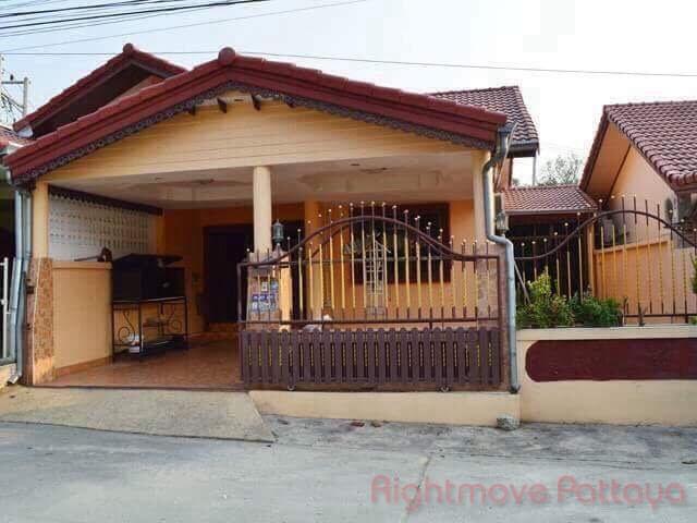 2 Bedrooms House For Sale In East Pattaya-eakmongkol 4/2