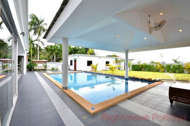 4 Beds House For Sale In East Pattaya-siam Royal View