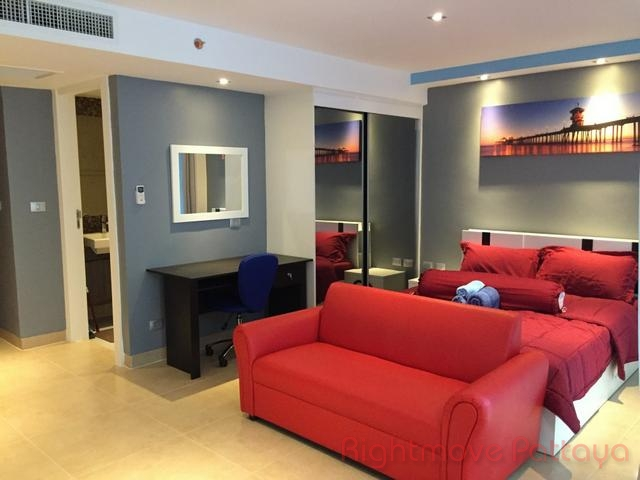 Studio condo for rent in central pattaya centara avenue residence and suites