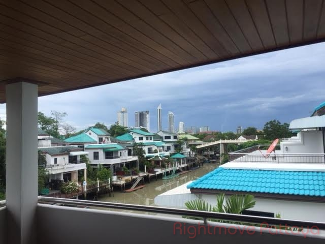 3 bedroom house in na jomtien for sale jomtien yacht club house for sale in Na Jomtien