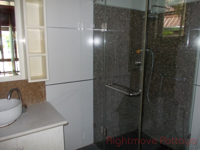 3 bedrooms house for rent in bang saray le beach