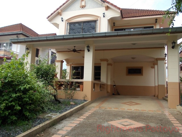 3 Beds House For Rent In East Pattaya-mabrachan Country Club