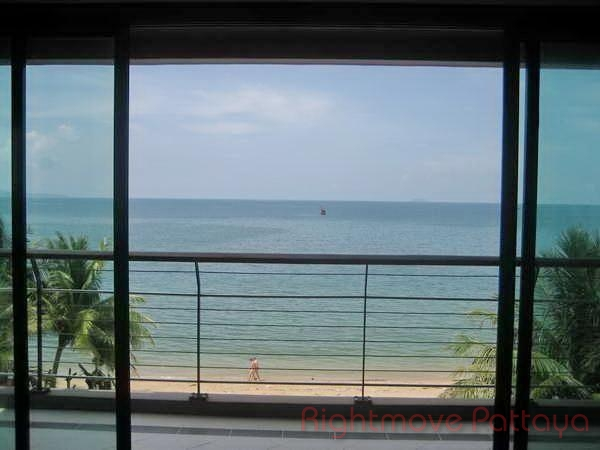 3 Bedrooms Condo For Sale In Na Jomtien-view Talay Sands