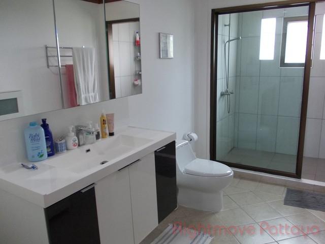 fantastic 2 bedrooms for rent and sale  Condominiums to rent in Jomtien Pattaya
