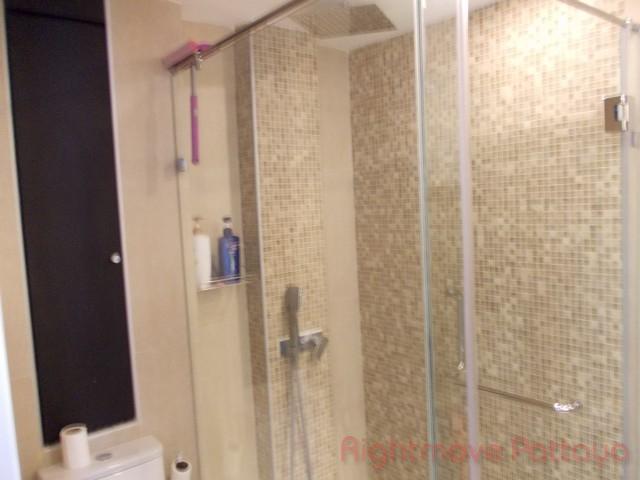 Studio condo for rent in pratumnak centara avenue residence and suites