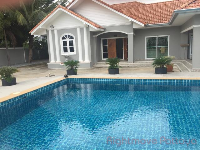 3 Beds House For Sale In East Pattaya-not In A Village