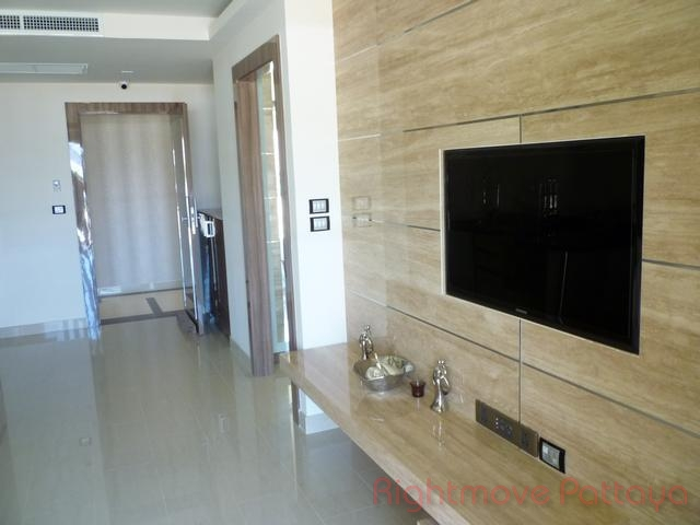 2 beds condo for sale in central pattaya grand avenue residence