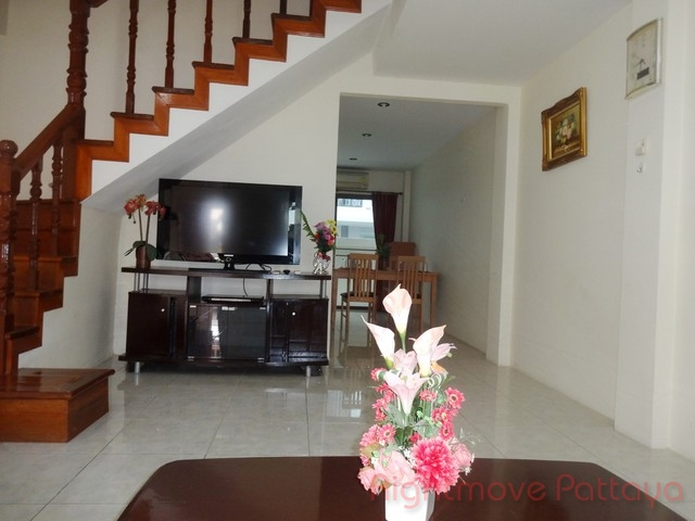 2 beds house for rent in pratumnak corrib village