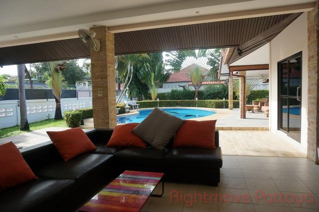 5 beds house for sale in east pattaya not in a village