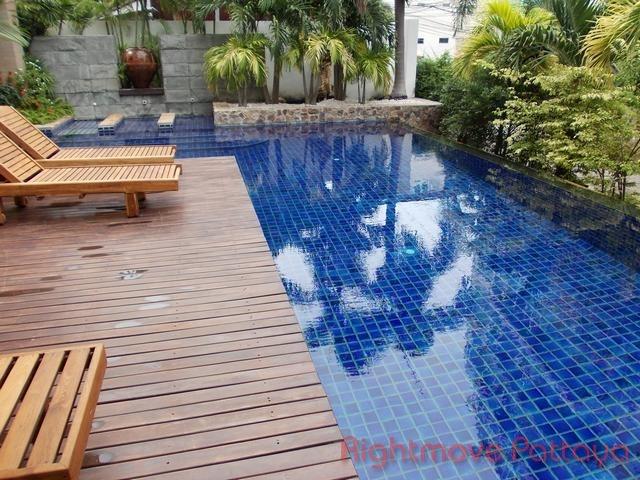 3 Beds Condo For Rent In Pratumnak-regent Pratumnak