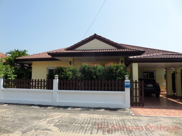 3 Beds House For Rent In East Pattaya-pattaya Tropical