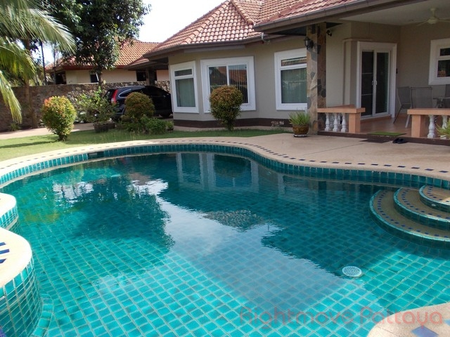 3 Beds House For Rent In East Pattaya-not In A Village