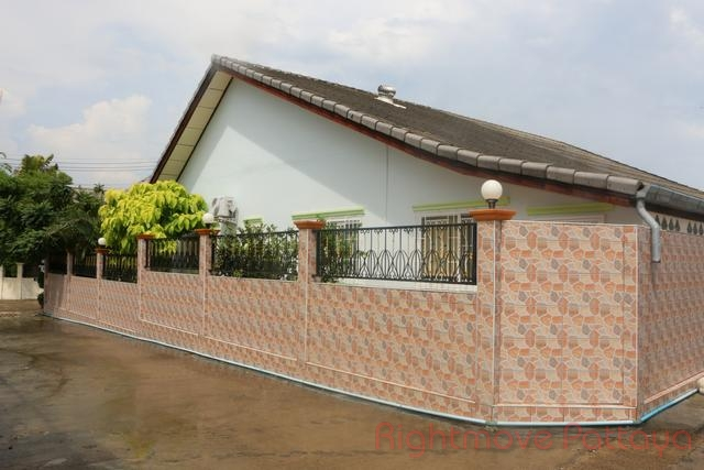 2 Beds House For Sale In East Pattaya-raviporn Village 2