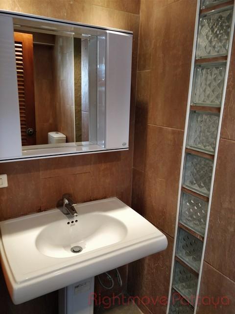 nice modern style 1 bedroom 50 sq.meter Condominiums to rent in South Pattaya Pattaya