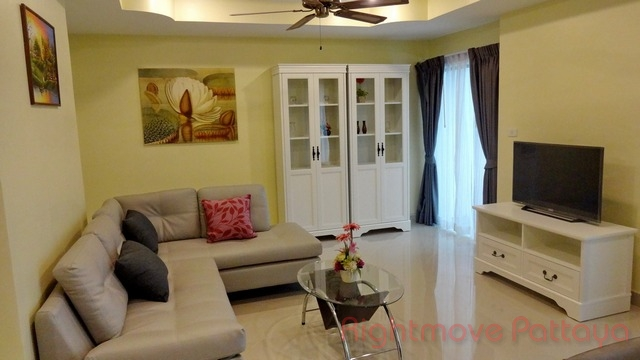 2 beds condo for sale in pratumnak pattaya hill resort
