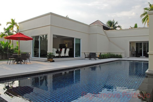 3 bedrooms house for sale in east pattaya vineyards 1