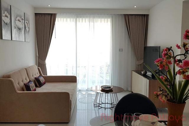 pic-7-Rightmove Pattaya   Condominiums for sale in Pratumnak Pattaya