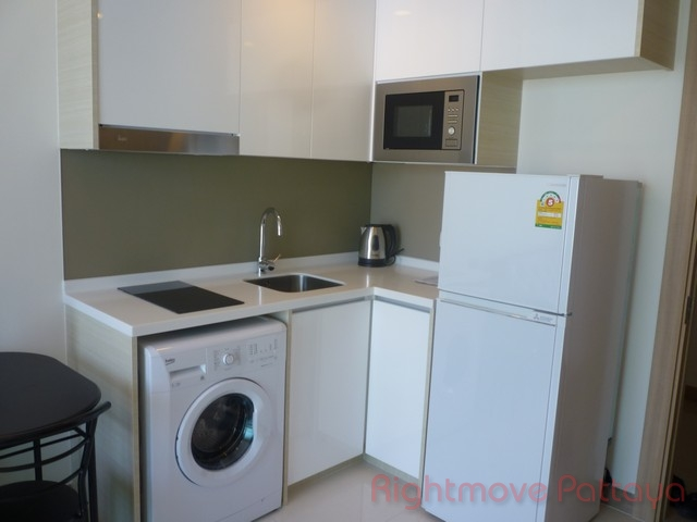 1 bed condo for rent in wongamat riviera