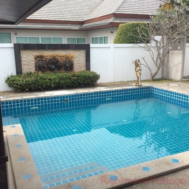 3 Beds House For Sale In Huey Yai-piam Mongkhon