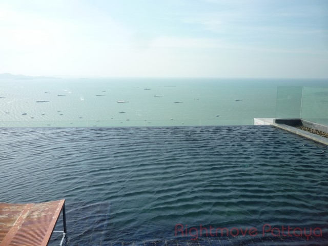2 Bedrooms Condo For Sale In Central Pattaya-centric Sea