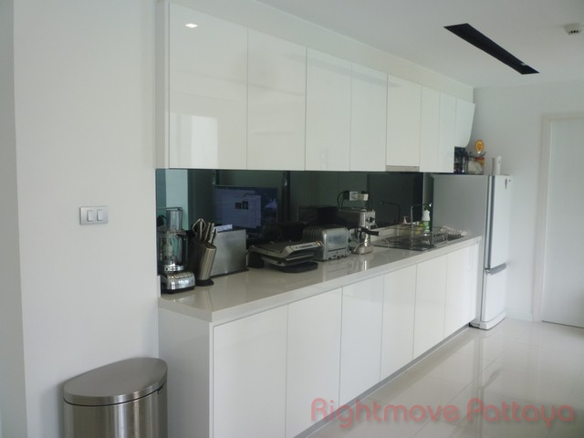 2 beds condo for rent in central pattaya city center residence
