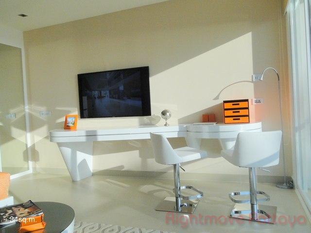 Studio condo for sale in pratumnak sands