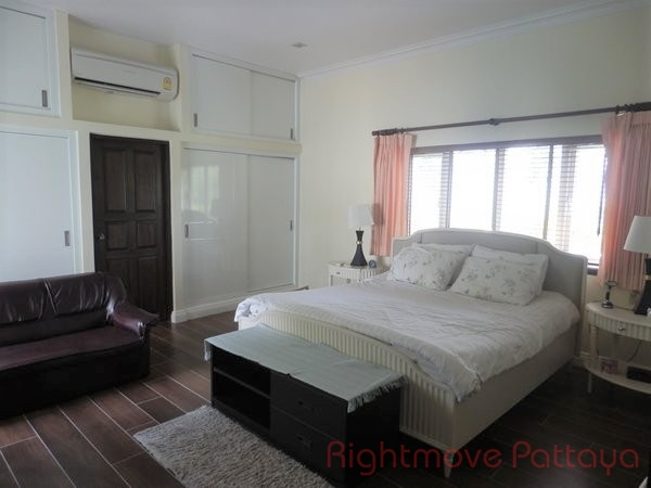3 beds house for sale in east pattaya el grande