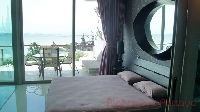 luxurious one bedroom apartment  Condominiums to rent in Central Pattaya Pattaya