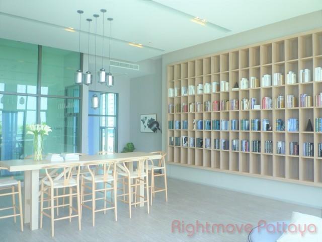 2 bedrooms condo for sale in jomtien aeras