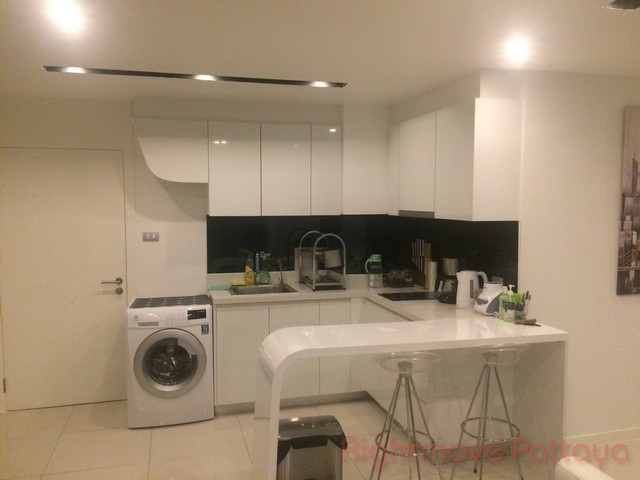 the lofts - lovely spacious two bedroom for sale or rent Condominiums for sale in Pratumnak Pattaya
