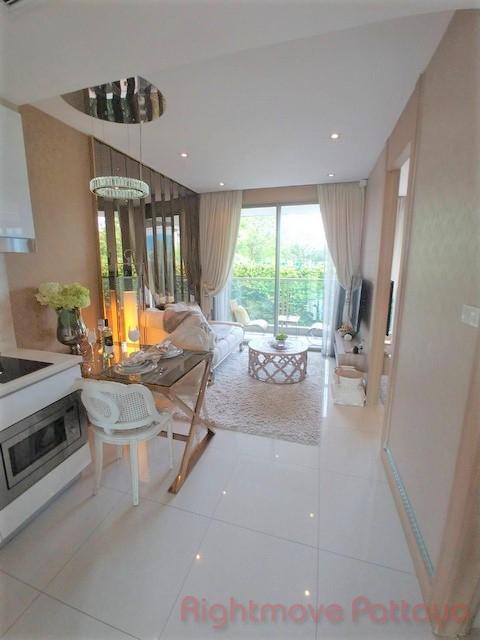 1 Bedroom Condo For Sale In Jomtien-riviera