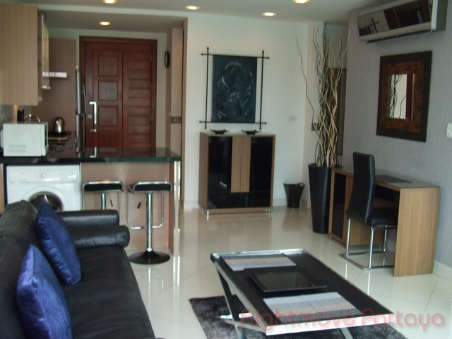 pic-4-Rightmove Pattaya 2 bedroom condo in wongamart naklua for sale laguna heights1666148167   for sale in Wong Amat Pattaya