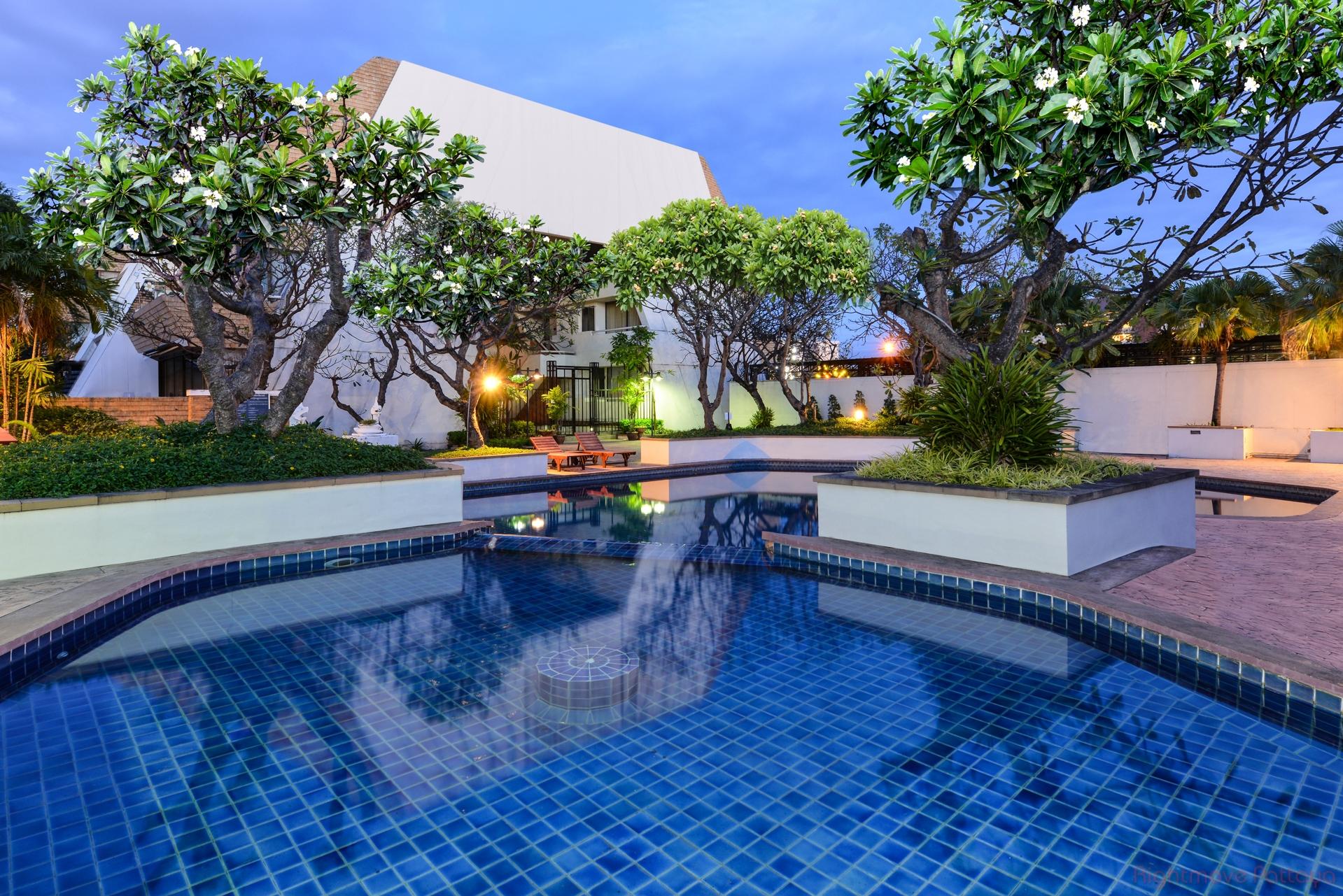 3 Bedrooms Condo For Sale In Jomtien-panchalae