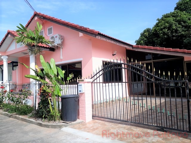 3 Bedrooms House For Sale In East Pattaya-park Rung Ruang