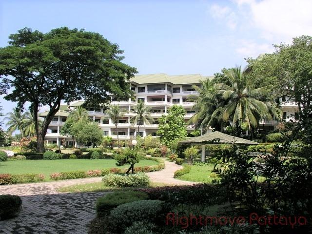2 Bedrooms Condo For Sale In Na Jomtien-baan Somprasong