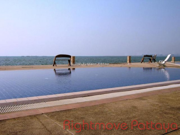 2 bedroom house in banglamung for sale bay view resort  Condominiums for sale in Naklua Pattaya