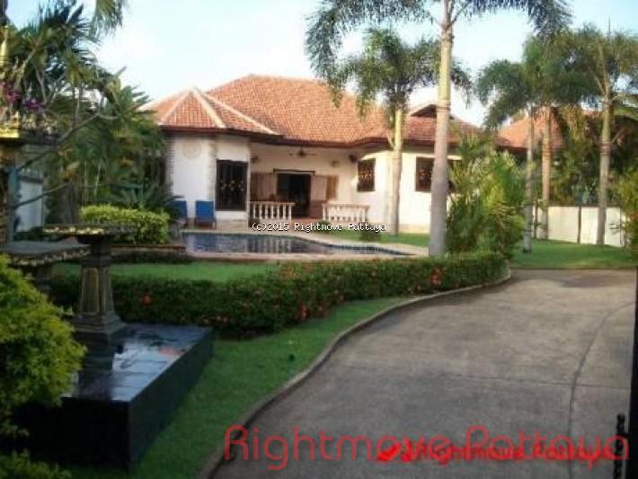3 bedroom condo in east pattaya for sale not in a village  for sale in East Pattaya Pattaya