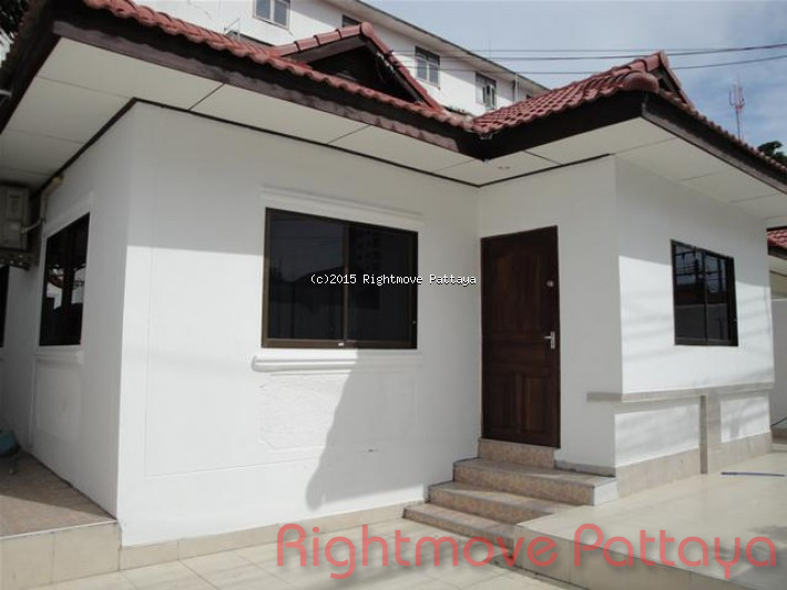 3 Bedrooms House For Rent In Jomtien-royal Park Village