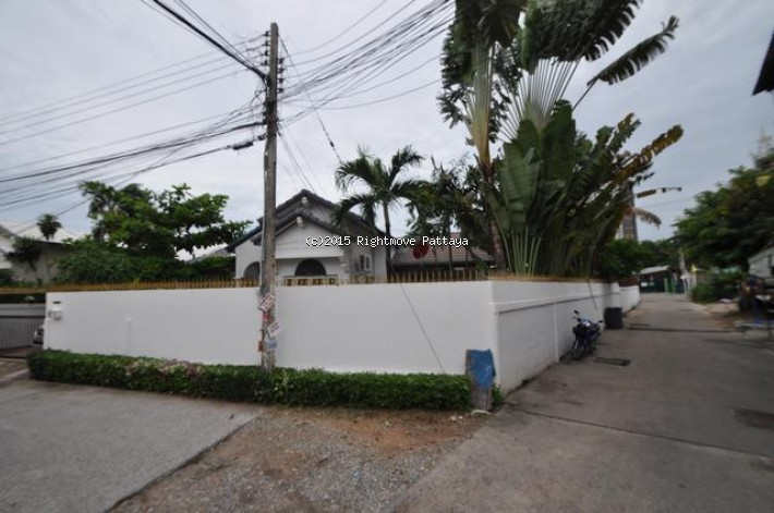 3 Bedrooms House For Sale In Pattaya-not In A Village