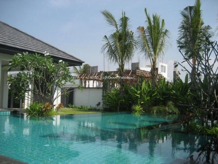 3 Bedrooms House For Rent In Jomtien-palm Oasis