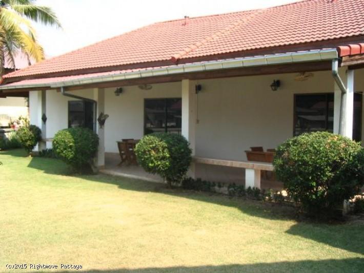 3 bedroom house in east pattaya for sale flower park villa 집 판매 에 이스트 파타야
