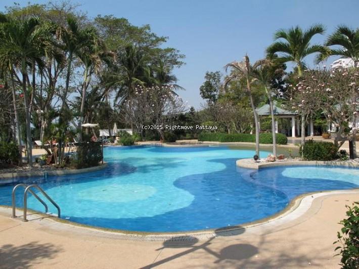 pic-2-Rightmove Pattaya 1 bedroom condo in ban amphur for rent krisada golden cliff   to rent in Ban Amphur Pattaya