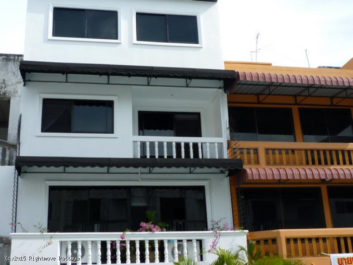 4 Bedrooms House For Rent In Pratumnak-not In A Village